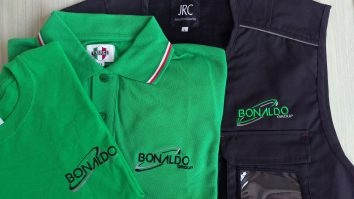 T-shirt, polo e gilet per kit completo